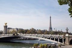 Torre Eiffel, s?mbolo de Paris, Fran?a Os melhores destinos de Paris em Europa imagem de stock royalty free