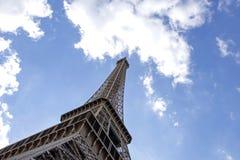 A torre Eiffel uma dos marcos os mais ic?nicos de Paris localizou no Champ de Mars em Paris, Fran?a fotografia de stock