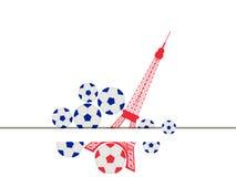 Torre Eiffel y bola Balón de fútbol y un símbolo de Francia Fotos de archivo