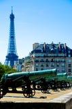 Torre Eiffel y Les Invalides Foto de archivo libre de regalías