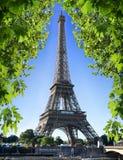 Torre Eiffel y naturaleza fotos de archivo libres de regalías