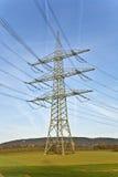 Torre eléctrica con el cielo Fotografía de archivo