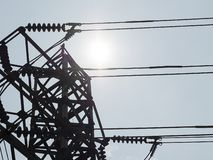 Torre eléctrica de alto voltaje foto de archivo