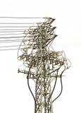 Torre eléctrica de alto voltaje con las líneas, polo de alto voltaje eléctrico, transmisión de energía eléctrica Imagenes de archivo