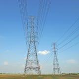 Torre elétrica de alta tensão foto de stock royalty free