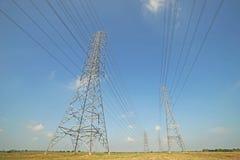 Torre elétrica de alta tensão fotos de stock