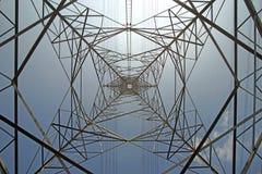 Torre elétrica de alta tensão imagens de stock royalty free