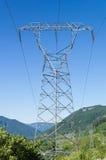 Torre elettrica della trasmissione per sostenere le linee elettriche Fotografia Stock Libera da Diritti