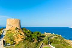 Torre española en Santa Teresa Gallura Sardinia, Italia Fotografía de archivo libre de regalías