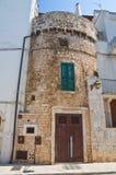 Torre fortificata. Conversano. La Puglia. L'Italia. Immagine Stock Libera da Diritti