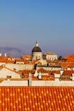 Torre franciscana del monasterio en Dubrovnik Imágenes de archivo libres de regalías