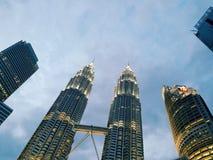 Torre gêmea bonita fotos de stock