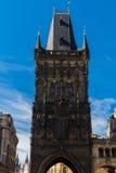 A torre gótico do pó em Praga Fotografia de Stock Royalty Free