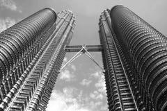 Torre gemela Fotografía de archivo libre de regalías
