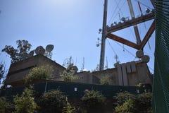 A torre icónica de San Francisco Sutro sobe acima da skyline, 7 fotografia de stock royalty free