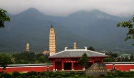 Torre, il tempio, paesaggio del Yunnan fotografie stock libere da diritti