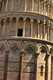 Torre inclinada. imagenes de archivo