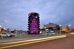Torre inclinada de Teluk Intan na noite Fotografia de Stock