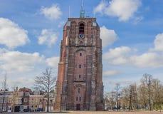 Torre inclinada Oldehove em Leeuwarden fotos de stock