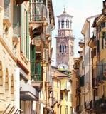Torre Lamberti en la ciudad Verona Foto de archivo libre de regalías