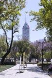 Torre Latinoamericana,也称` Torre拉丁美州的`,是一个摩天大楼在墨西哥城 免版税库存图片