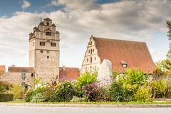 Torre medievale dell'orologio in Dinkelsbuehl Immagine Stock