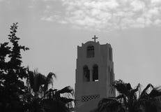 Torre metropolitana ortodoxa de la catedral en Fira Santorini Grecia fotos de archivo libres de regalías