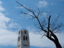 Torre metropolitana ortodoxa de la catedral en Fira Santorini Grecia imagenes de archivo