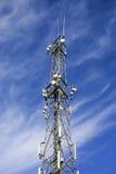 Torre moderna das telecomunicações. Fotos de Stock