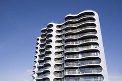 Torre moderna do apartamento Imagem de Stock Royalty Free