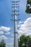 Torre Monopole de Stringing On Transmission do condutor Foto de Stock