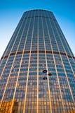 Torre Montparnasse en el centro de París Fotos de archivo libres de regalías