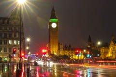 A torre na noite chuvosa, Londres de Big Ben, Reino Unido Foto de Stock Royalty Free