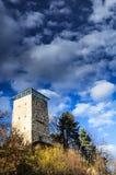 Torre negra en Brasov, Transilvania, Rumania Imagen de archivo