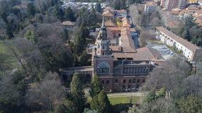 Torre neogótica de Desio, de vista panorâmica, da vista aérea, do Desio, do Monza e do Brianza, Milão, Itália imagens de stock royalty free