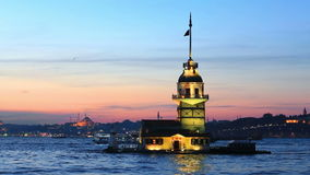 Torre nubile a Costantinopoli su un tramonto video d archivio