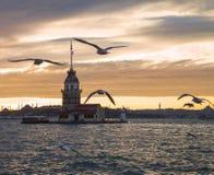 Torre nubile del ` s Kiz Kulesi Simbolo di Costantinopoli fotografia stock libera da diritti