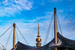 A torre olímpica em Munich, Baviera 19 de janeiro de 2019 imagem de stock