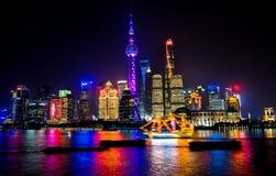 Torre orientale Pudong Bund il fiume Huangpu Shanghai Cina della perla TV Fotografie Stock