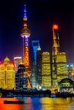 Torre orientale Pudong Bund il fiume Huangpu Shanghai Cina della perla TV Immagini Stock