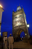 Torre Praga della polvere alla notte Immagine Stock