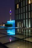 Torre radiofonica a Dusseldorf alla notte Immagini Stock