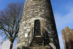 Torre redonda del monasterboice, Irlanda a partir del siglo V foto de archivo