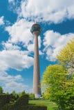 Torre Rheinturm, Düsseldorf, Alemania, Europa de la TV Foto de archivo
