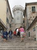 Torre Sahat-Kula da escadaria e de pulso de disparo, Montenegro Fotografia de Stock Royalty Free