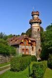 Torre storica dell'allerta vicino alla diga del lovstvà del ¡ di Les Krà in repubblica Ceca Fotografie Stock Libere da Diritti