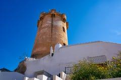 Torre Valencia de Paterna y chimeneas de las casas de la cueva imagen de archivo