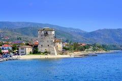Torre vieja del pueblo del centro turístico, Grecia Imagen de archivo libre de regalías