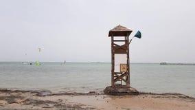 Torre vieja del rescate almacen de metraje de vídeo