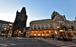 Torre y casa municipal, Praga del polvo Imágenes de archivo libres de regalías